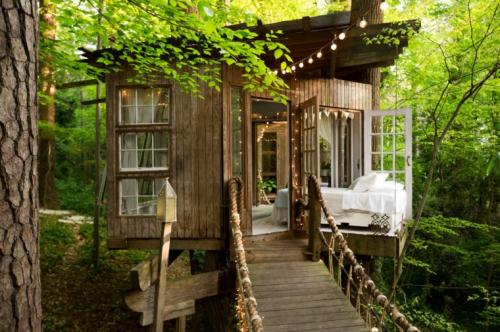 04-Secluded Intown Treehouse