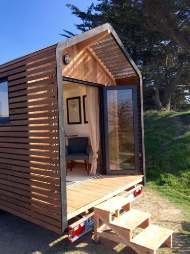Huttopie-Tiny-House-on-Wheels-003