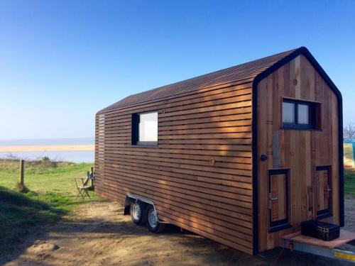 Huttopie-Tiny-House-on-Wheels-004