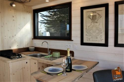 Huttopie-Tiny-House-on-Wheels-011