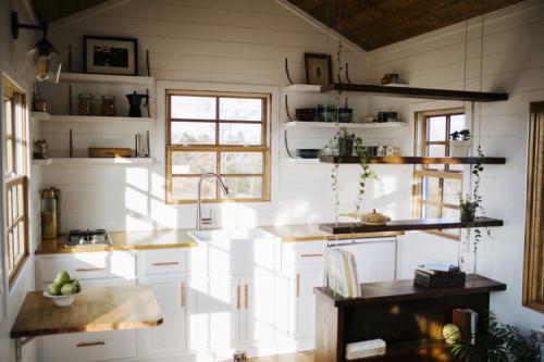 Monocle_Tiny_House_Wind_River_Tiny_Homes_02