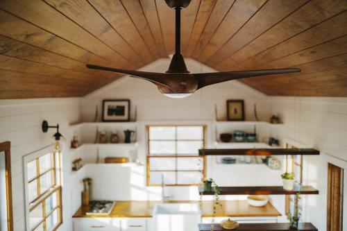 Monocle_Tiny_House_Wind_River_Tiny_Homes_11