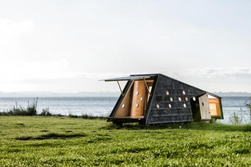 Shelters_by_the_sea_LUMO_Architects_01