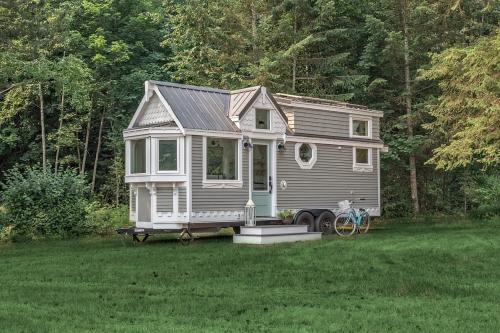 The-Heritage-Tiny-House-by-Summit-Tiny-Homes-001