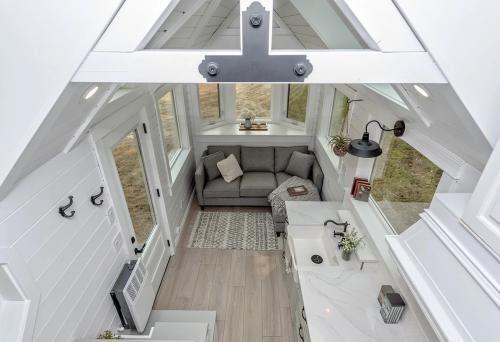 The-Heritage-Tiny-House-by-Summit-Tiny-Homes-006