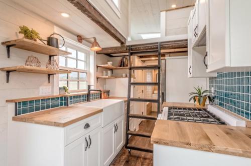 West-Coast-Tiny-House-by-Summit-Tiny-Homes-005