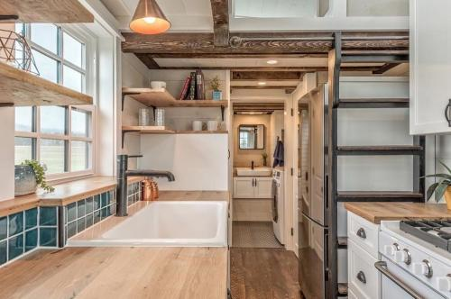 West-Coast-Tiny-House-by-Summit-Tiny-Homes-006