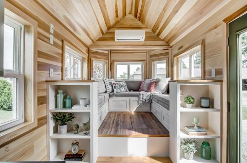 clover-tiny-house-modern-tiny-living-10