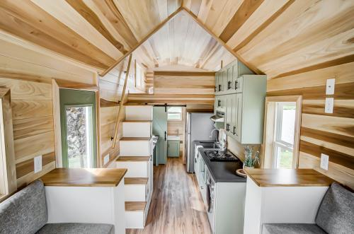 clover-tiny-house-modern-tiny-living-11