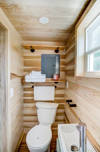 clover-tiny-house-modern-tiny-living-20