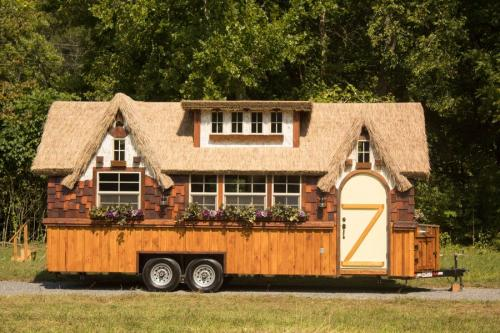 highland_tiny_house_incredible_tiny_homes_01