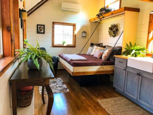 highland_tiny_house_incredible_tiny_homes_05
