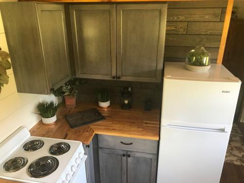highland_tiny_house_incredible_tiny_homes_08