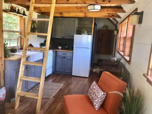 highland_tiny_house_incredible_tiny_homes_10