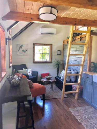 highland_tiny_house_incredible_tiny_homes_13