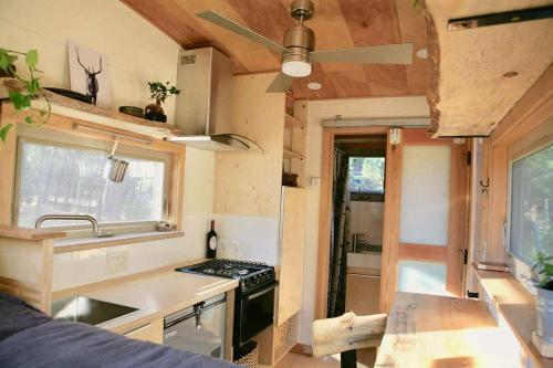 mckenzie-tiny-house-06