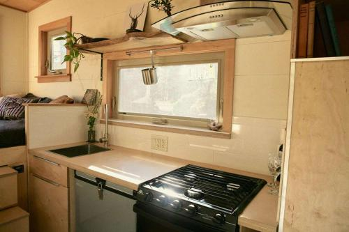 mckenzie-tiny-house-08