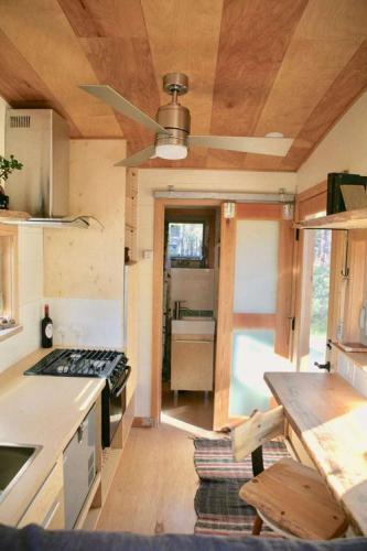 mckenzie-tiny-house-11