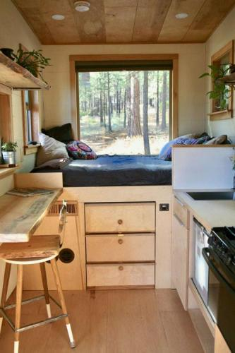 mckenzie-tiny-house-13