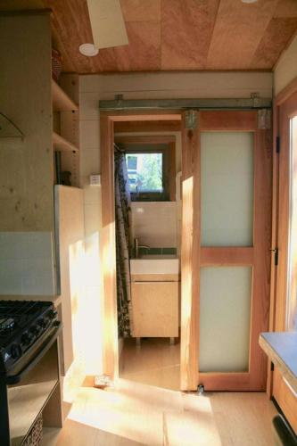 mckenzie-tiny-house-14