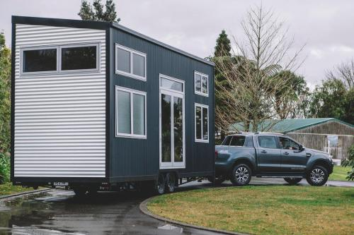 millennial-tiny-house_02