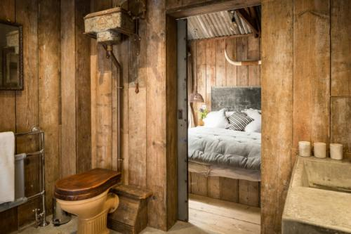 rustic-charm-cabin-13