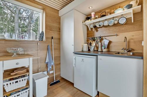 scandinavian-modern-tiny-house-tinyhousepl-05
