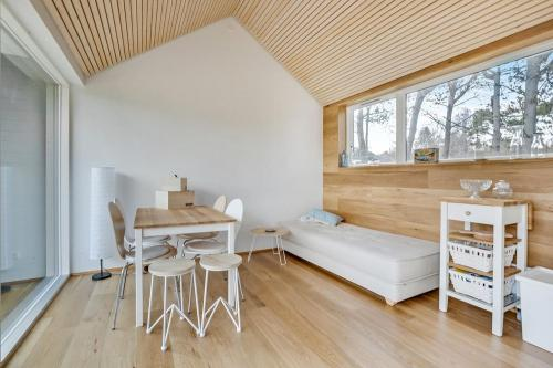 scandinavian-modern-tiny-house-tinyhousepl-06