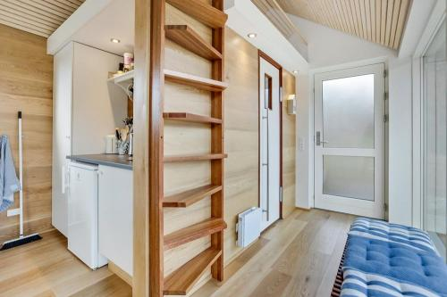 scandinavian-modern-tiny-house-tinyhousepl-08