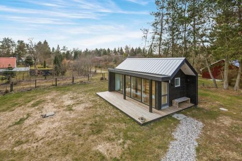 scandinavian-modern-tiny-house-tinyhousepl-11